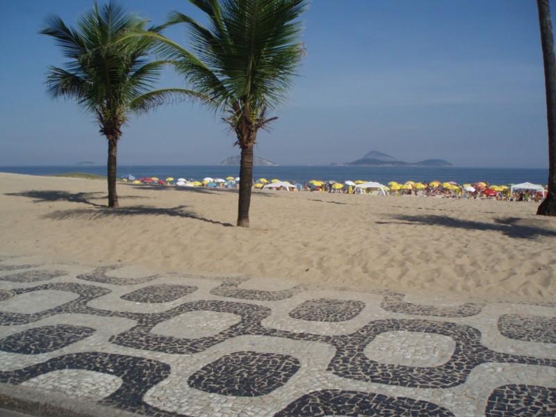 Rio sidewalk 2
